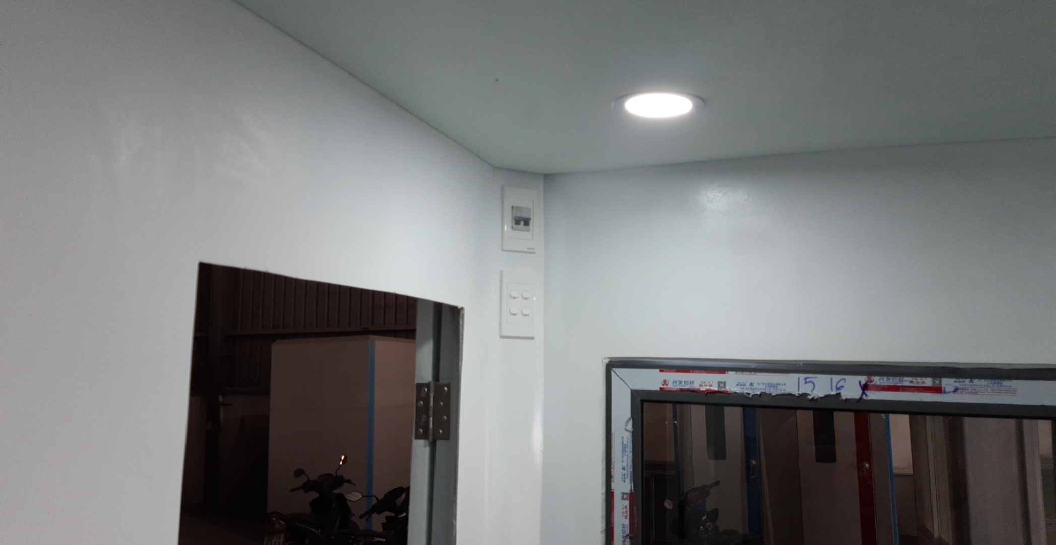 Hệ thống điện âm tường có atomat an toàn