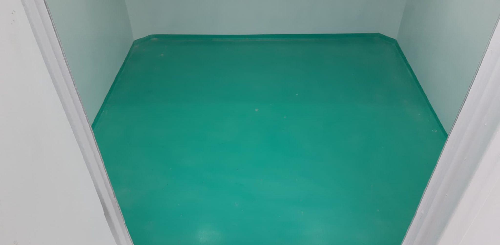 Sàn bằng composite đúc liền với ốp nội thất