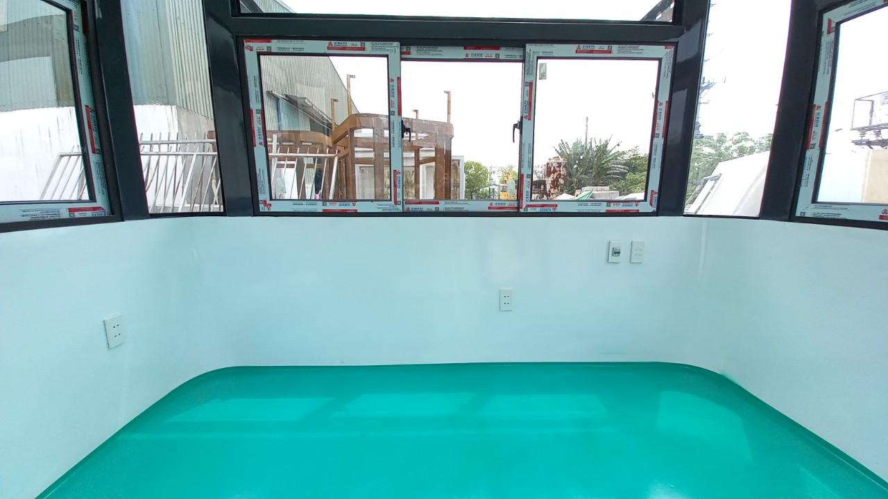 Bên trong cabin bảo vẹ khung thép nội thất composite của Vinacabin